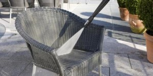 Garden chairs cleaning